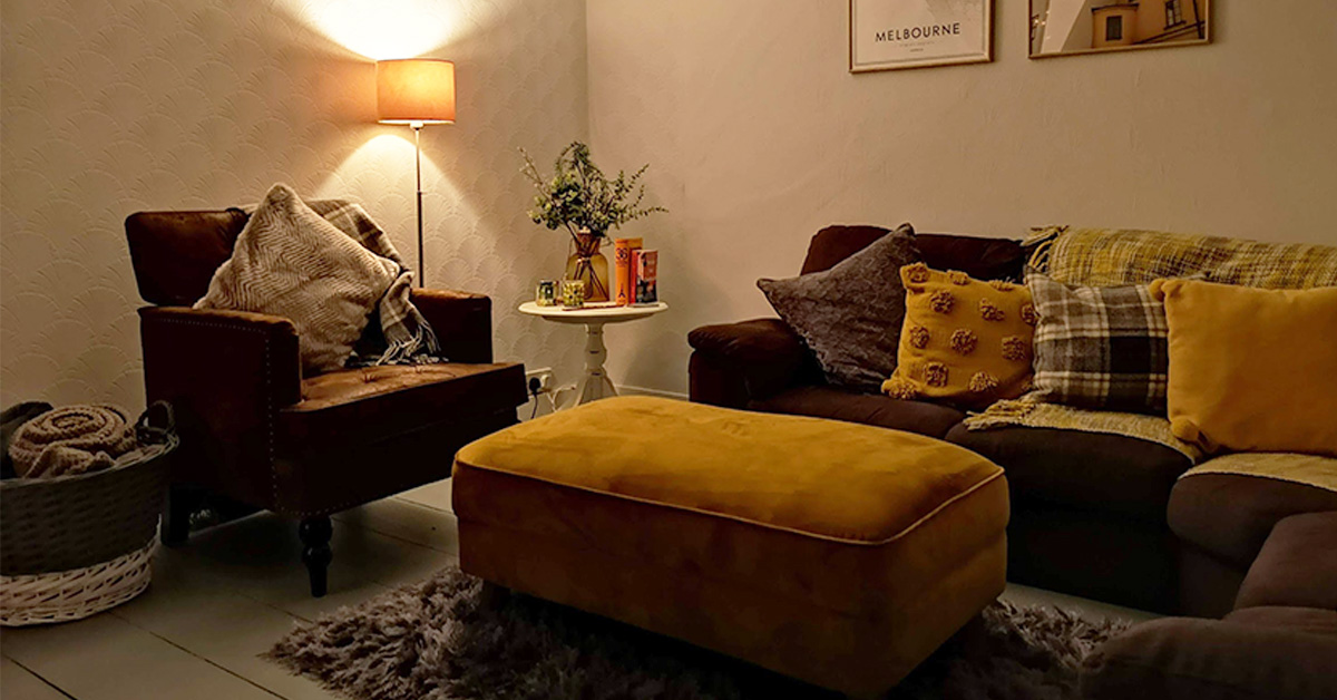 Colourful living room poufs – overview of the most popular models