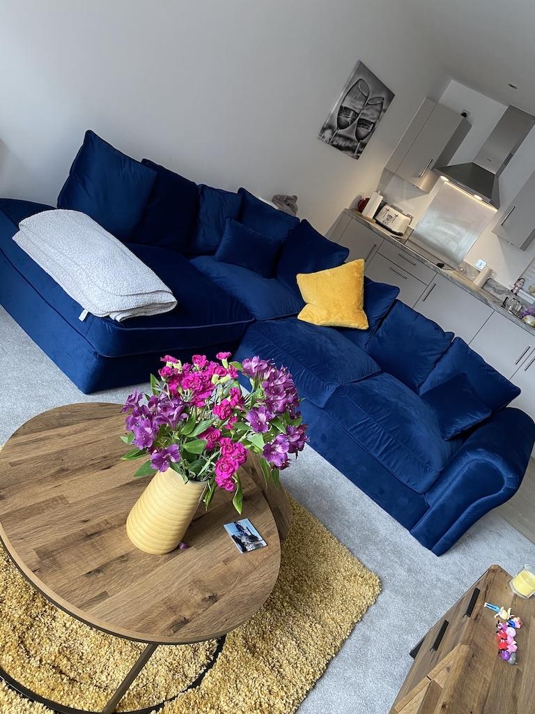 Velvet left hand corner sofa Baron - navy blue