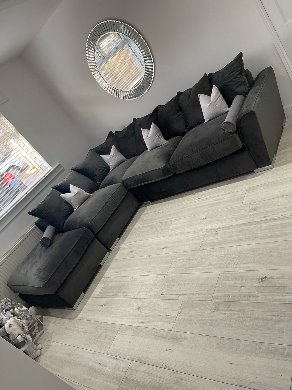 Majestic left hand corner back loose cushions in graphite