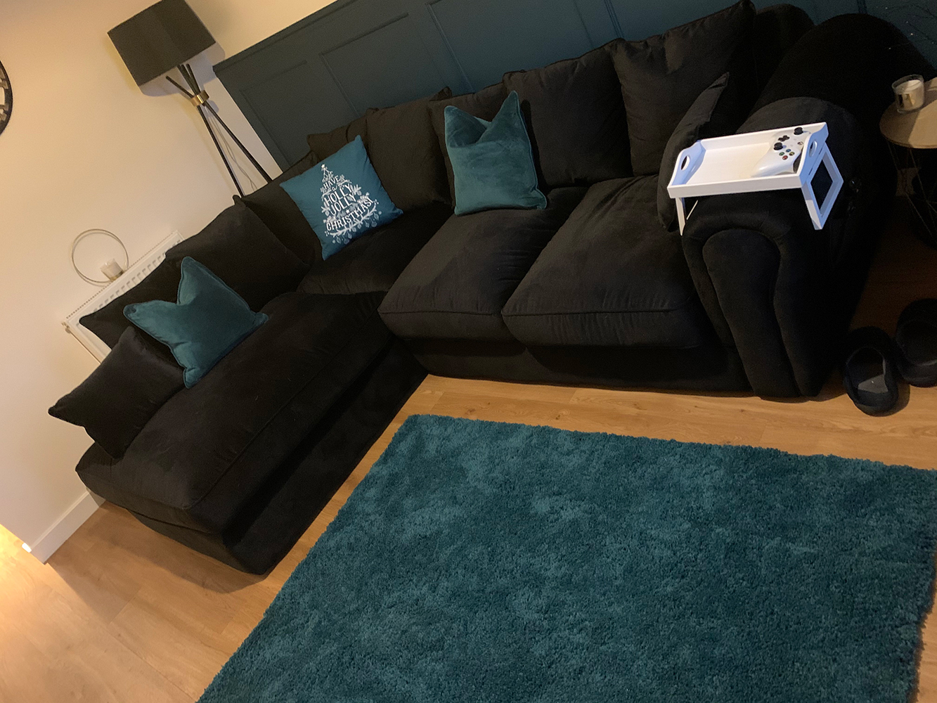 Black left hand corner Baron, English style sofa with loose backrest cushions