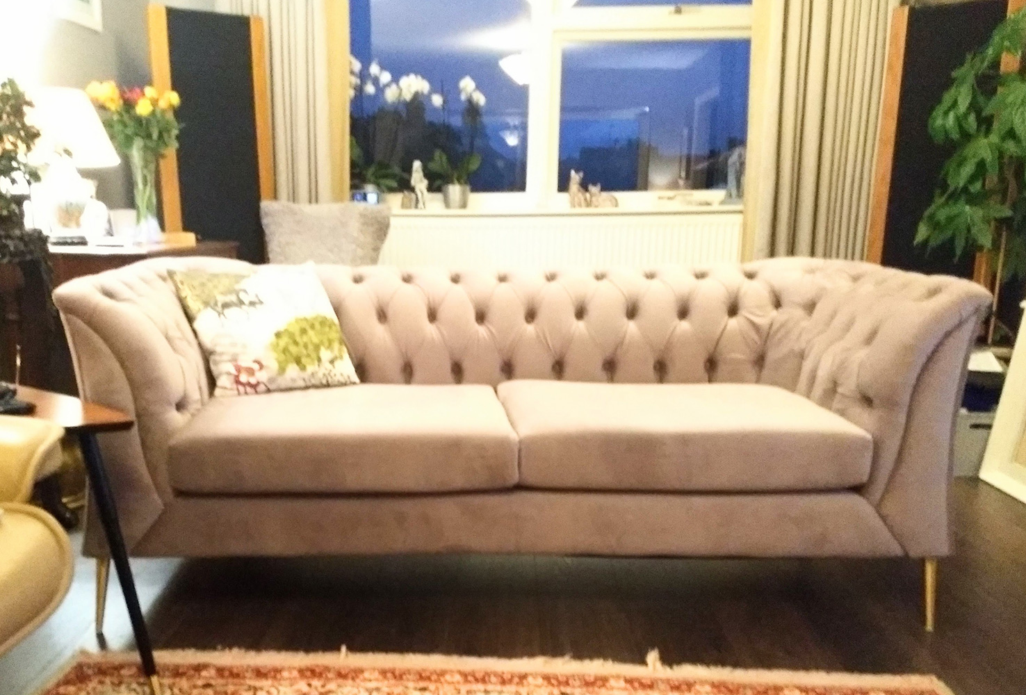Small grey Chesterfield Modern sofa