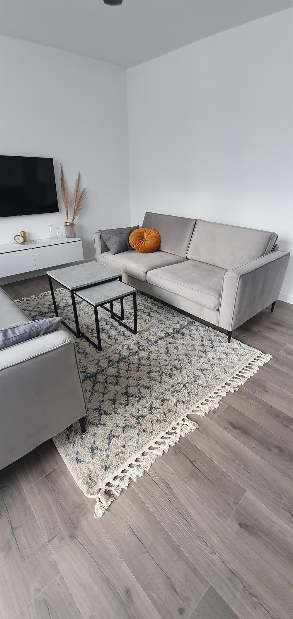 Grey Eaz sofa from Kinga