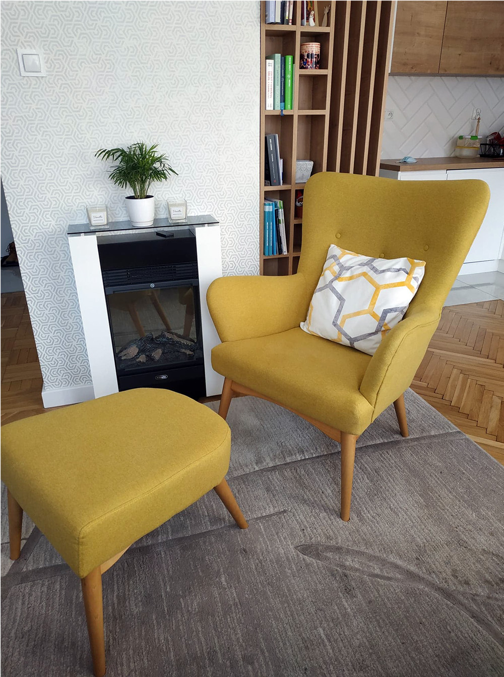 Yellow Savano armchair with footrest