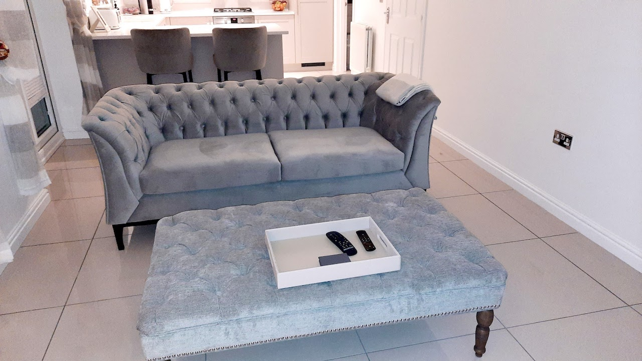 Chesterfield Modern Wood Double Sofa from @hunt.homedecor