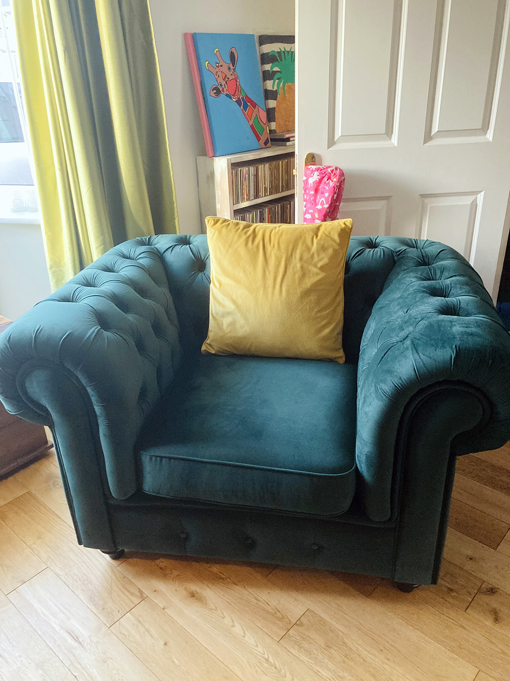 Chesterfield Max Armchair from Naomi