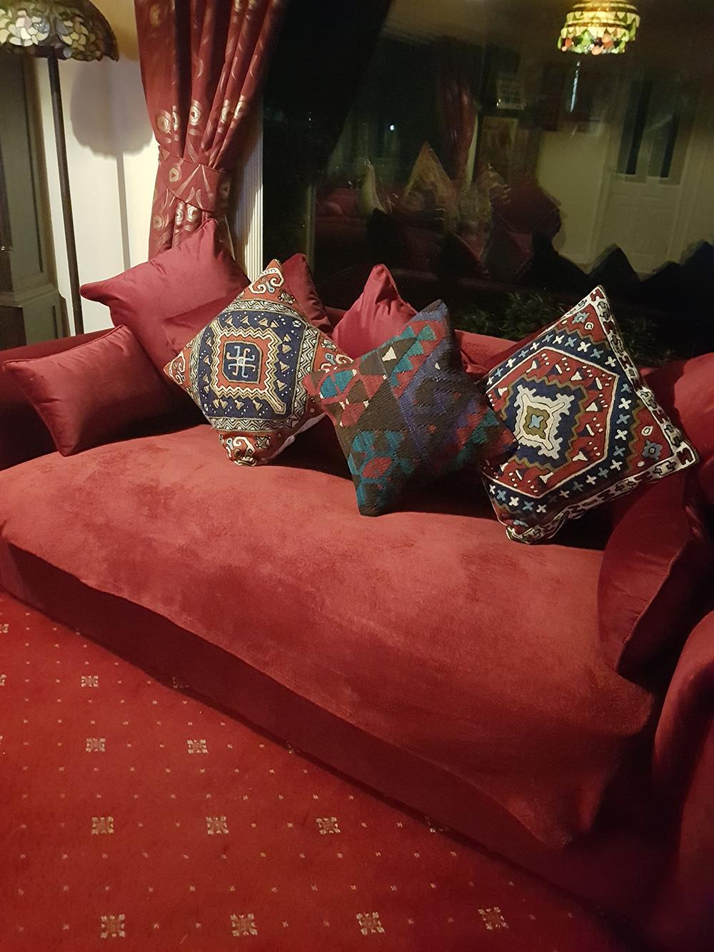 Dark red English style sofa Baron