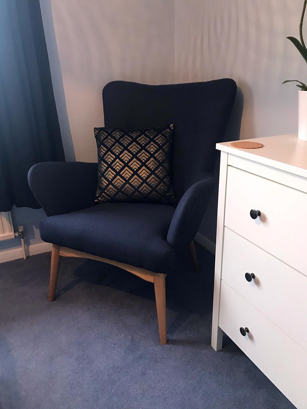 Dark blue Savano wing armchair